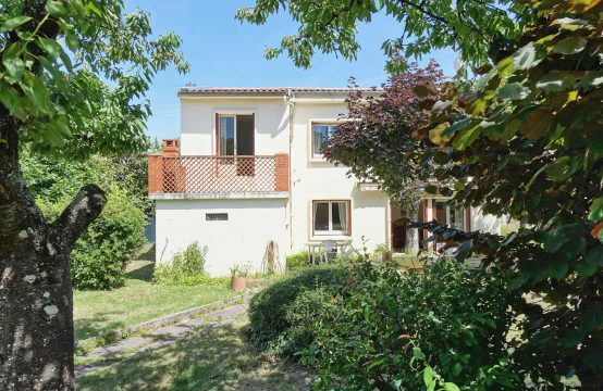 SOLD BLAGNAC district Layrac Home T5 of 107m² on 480 m ²