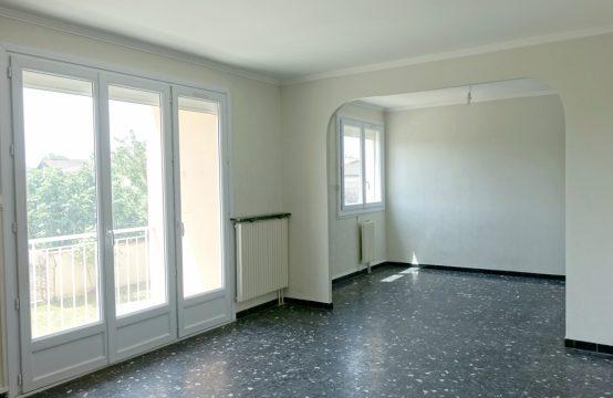 LOUÉ! BLAGNAC Centre Appartement T4 en 1er étage avec Cave et Parking