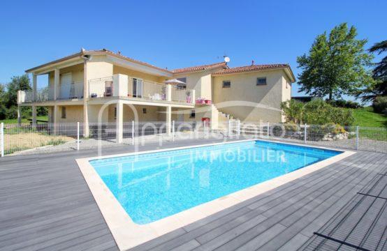 VENTE PUJAUDRAN Maison plain-pied T5 de 2004 & double Garage, Sous-sol total sur 2500 m² avec Piscine
