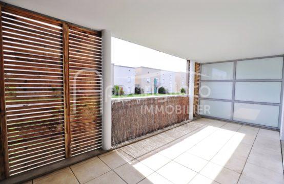 VENTE TOURNEFEUILLE Beau T3 traversant de 65 m² Terrasse 22 m² Plein Sud et 2 Parkings sous sol