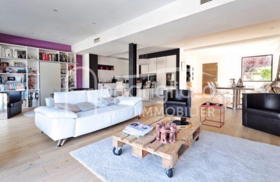 VENTE BLAGNAC Maison Contemporaine T6 de 225 m² + Garage Atelier & Piscine sur 600 m²