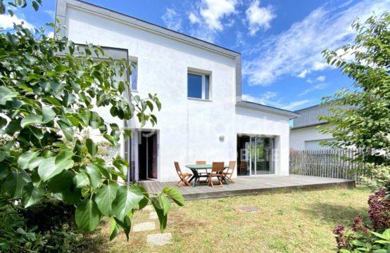VENDU BLAGNAC Andromède Maison individuelle T4 duplex de 2015 avec Garage & Jardin