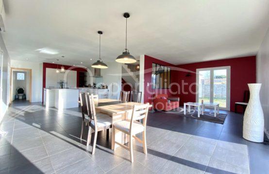 LOCATION AUSSONNE Jolie Maison individuelle au calme T6 de 2014 sur 964 m²